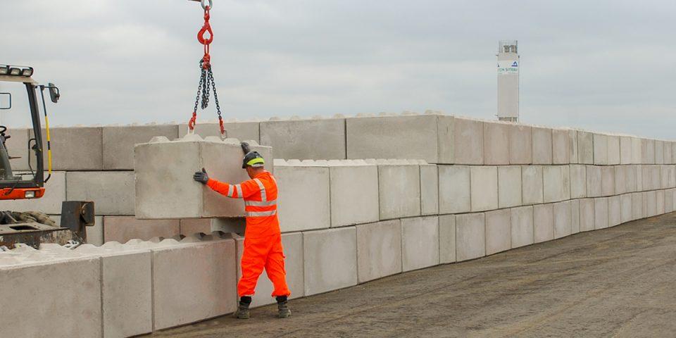 Interlocking Concrete Blocks Retaining Walls